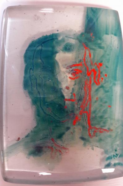 geschilderd mannenportret in glas.jpg